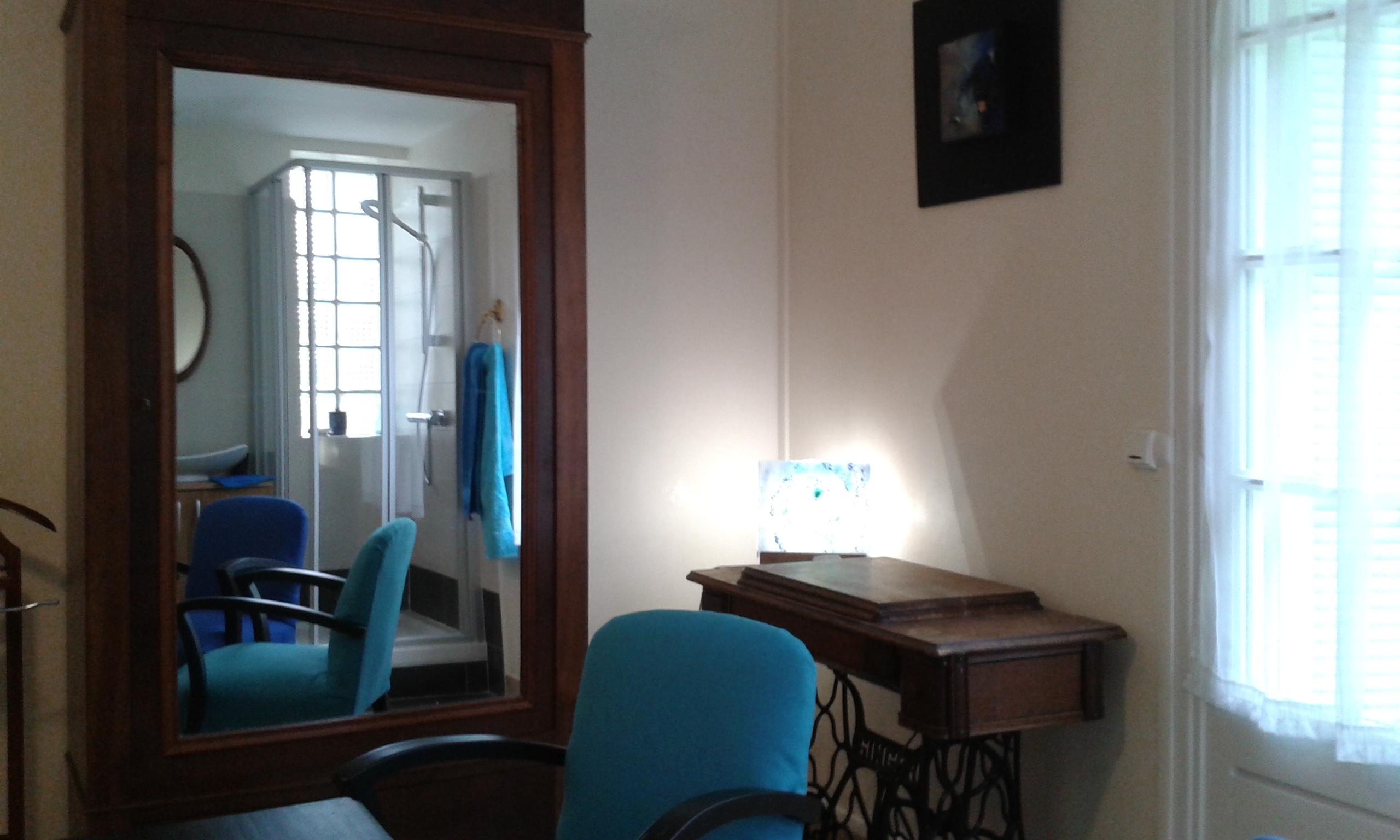 chambre indigo chambres d 39 h tes de charme aix en provence. Black Bedroom Furniture Sets. Home Design Ideas