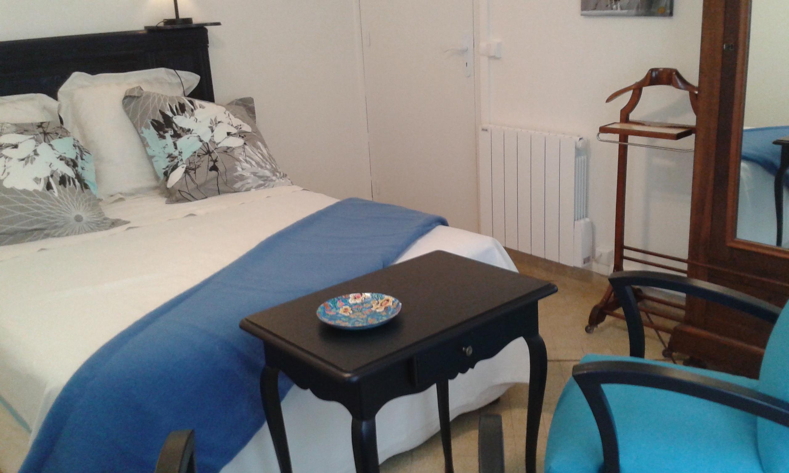 Chambre indigo chambres d 39 h tes de charme aix en provence - Chambre des commerces aix en provence ...